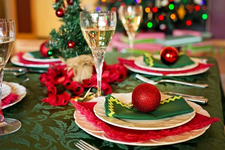 christmas-table-1909796_960_720