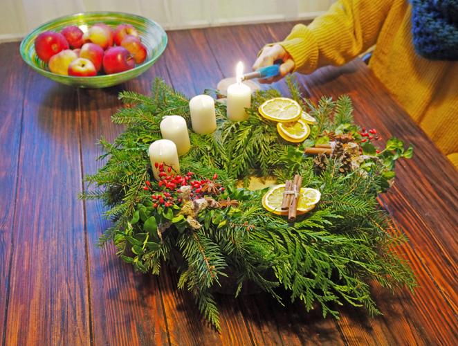 adventní,věnec,vánoční,výzdoba,výhnam,historie,tradice,ruční,výroba